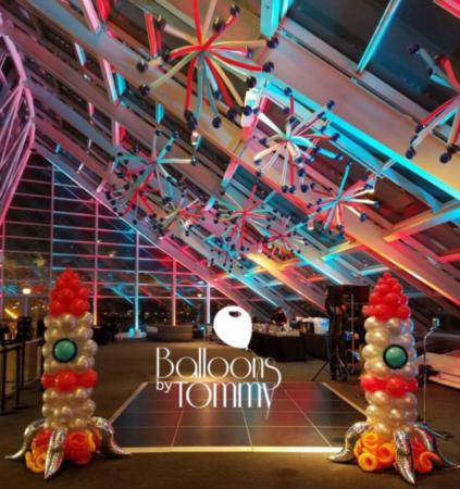 Retrorocket balloon decor - Balloons by Tommy